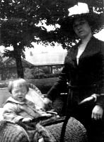 Maggie Mullins Cully w baby Kenneth